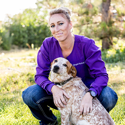 megan-hottell-veterinary-assistant-dog-headwaters-veterinary-hospital-v1